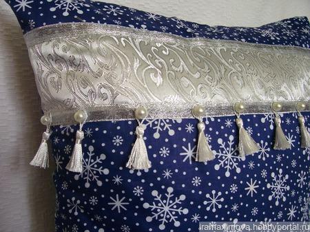 Подушка декоративная Зимний сон ручной работы на заказ