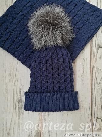 Вязаная шапка с косами ручной работы на заказ