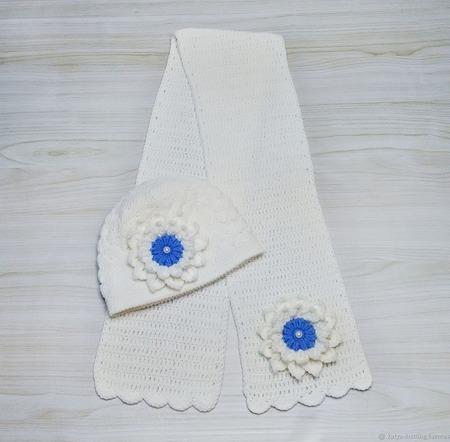 Комплект шапка и шарф Белоснежка ручной работы на заказ