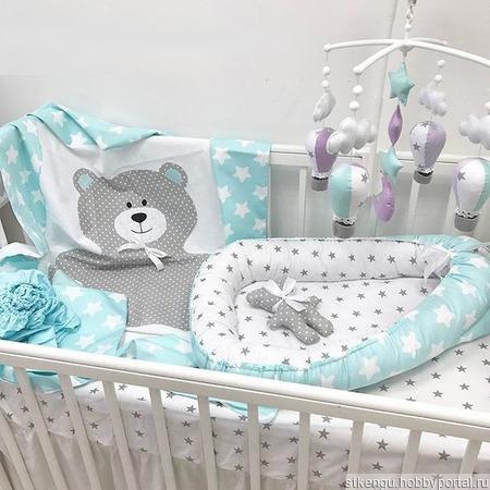 Бортики в кроватку и постельное белье ручной работы на заказ