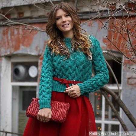 Модный вязаный свитер ручной вязки  в Москве ручной работы на заказ