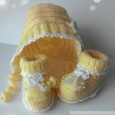 Комплект для новорожденного пинетки и чепчик ручной работы на заказ