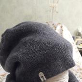 Зимняя, двойная шапка и снуд сине-серого цвета с  меланжевыми чёрными и серебряными крапушками.