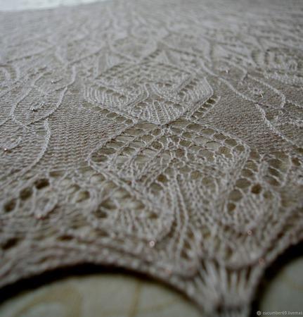 """Ажурная шаль """"Синильга"""" цвета нюд из шикарной итальянской альпаки ручной работы на заказ"""