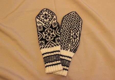 """Варежки""""Снежинка-1"""" спицами с норвежским узором шерстяные ручной работы на заказ"""