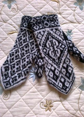 Варежки вязаные на спицах шерстяные ручной работы на заказ