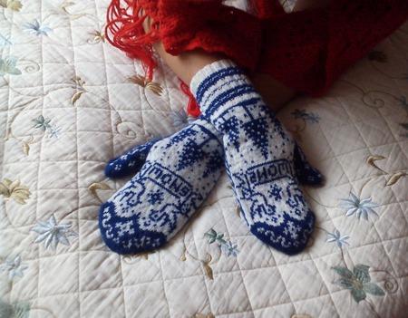 """Варежки """"Снег"""" связанные на спицах жаккардовым шерстяные ручной работы на заказ"""