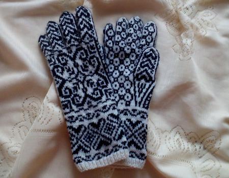 """Перчатки вязаные женские  """"Снежинка-2"""" ручной работы на заказ"""