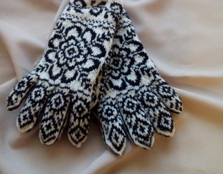 """Перчатки вязаные спицами """"Снежинка-3"""" ручной работы на заказ"""