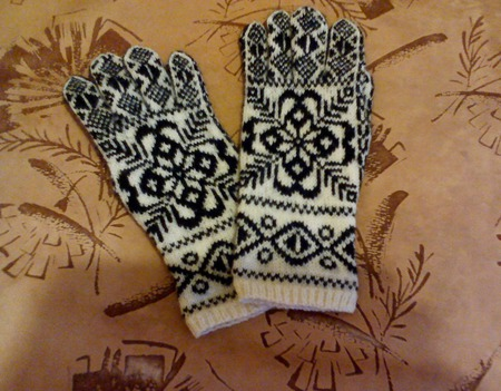 """Перчатки шерстяные вязаные на спицах """"Снежинка-1"""" ручной работы на заказ"""