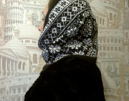 Шапочка женская вязанная ручной работы на заказ