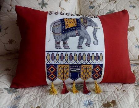 """Подушка декоративная вышитая диванная """"Индийский слон"""" ручной работы на заказ"""