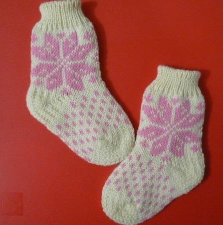 Носочки Снежинка ручной работы на заказ