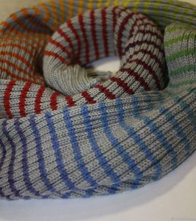 Большой теплый шерстяной шарф в радужную полоску ручной работы на заказ