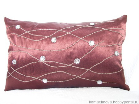 Подушка декоративная ручной работы на заказ