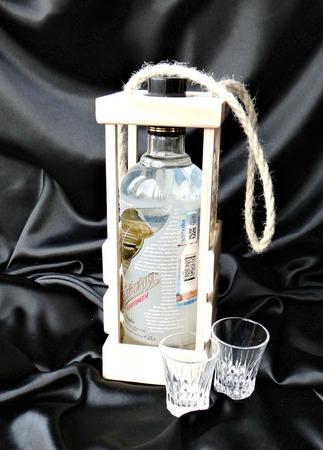 Стильная упаковка для подарочной бутылки. Деревянный короб для бутылки ручной работы на заказ