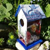 Чайный домик по мотивам Алиса в стране чудес. Декупаж чайного домика