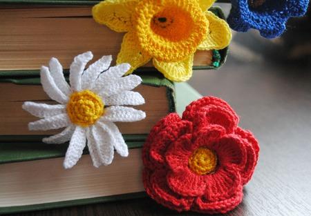 Вязаные закладки для книг крючком Цветочные. В ассортименте. ручной работы на заказ