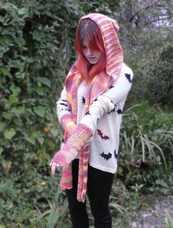 Шарф капюшон и митенки Осенние краски ручной работы на заказ