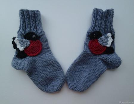 67686bdb3b578 Вязаные носки Снегири – купить в интернет-магазине HobbyPortal.ru с ...