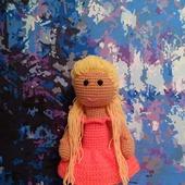 Куколка. Вязаная кукла.
