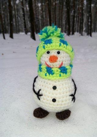 Снеговичок. Вязаный снеговик ручной работы на заказ