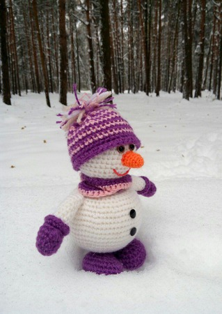 Снеговик. Вязаный снеговичок ручной работы на заказ