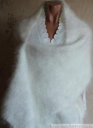 Пуховый вязаный палантин белый. ручной работы на заказ