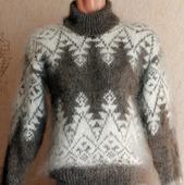 "Пуховый вязаный свитер ""Елочка-зигзаг"""