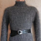 Пуховое вязаное платье.