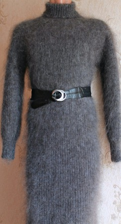 Пуховое вязаное платье. ручной работы на заказ
