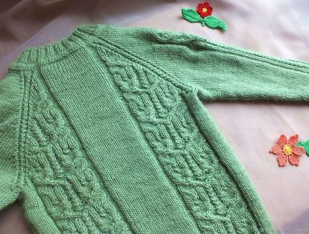 Комплект детский джемпер и носочки ручной работы на заказ