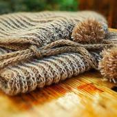 фото: Вязаные спицами женские шарфы и шарфики (зима 2017)