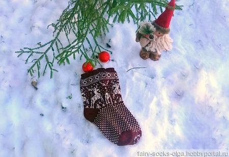 Носки с оленями бордовые ручной работы на заказ