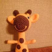 Веселый жирафик