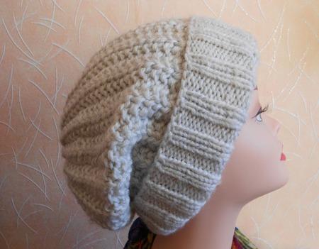 Шапка женская вязаная спицами бини Белая ручной работы на заказ