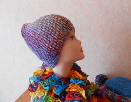 Шапочка вязаная спицами с ажурным шарфиком ручной работы на заказ