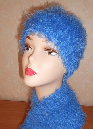 Вязаный комплект: шарф и шапочка  Голубая нежность ручной работы на заказ