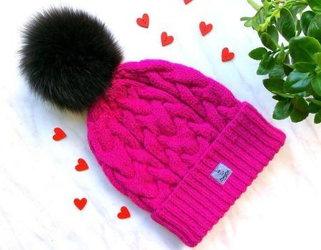 """Шапка вязаная """"Малиновый джем"""", шапочка с помпоном, шапка женская ручной работы на заказ"""