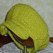 Женский берет-кепка