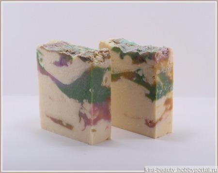Натуральное мыло ручной работы с шелком и экстрактом белой кувшинки ручной работы на заказ