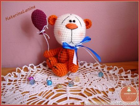 Мишутка с шариком ручной работы на заказ