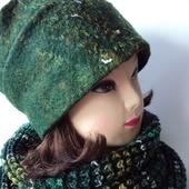 Комплект (валяная шапочка бини и снуд вязаный) темно-зеленый