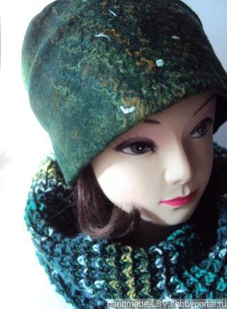 Комплект (валяная шапочка бини и снуд вязаный) темно-зеленый ручной работы на заказ