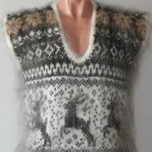 """Пуховый вязаный свитер""""Сказочный олень""""."""
