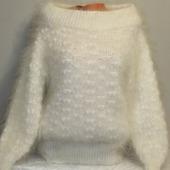 "Пуховый вязаный свитер""Дарина""."