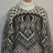 """Пуховый свитер """"Лилия""""."""