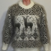 """Пуховый свитер """"Благородный олень""""."""