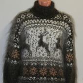 """Пуховый свитер """"Сказочный олень""""."""