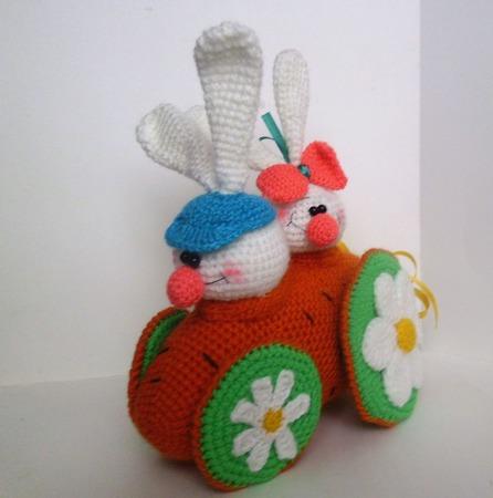 Зайки в морковкомобиле ручной работы на заказ